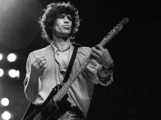 Tales of Rock – Keith Richards Snorts HisDad