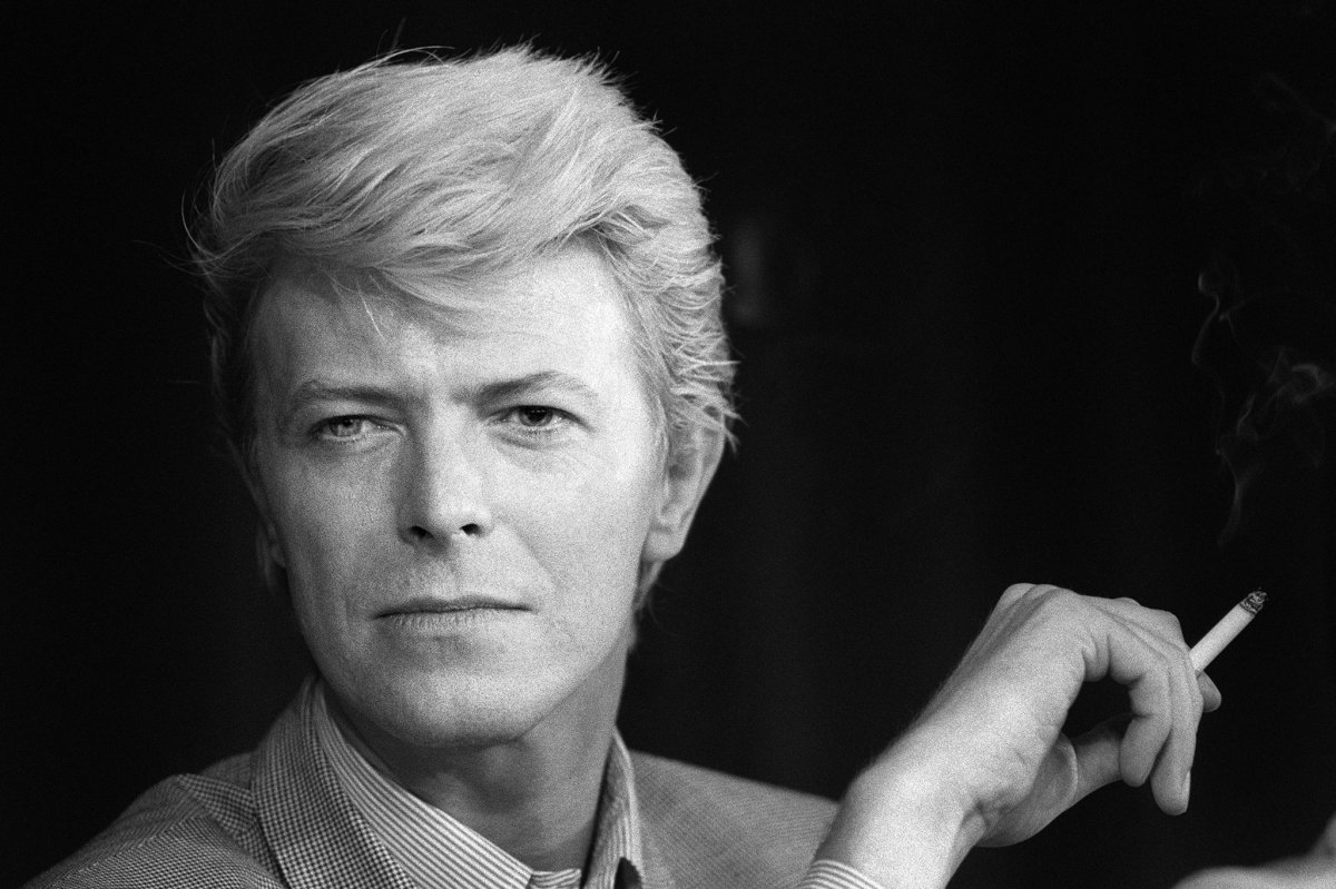 Tales of Rock – David Bowie Thinks Witches Are Stealing His Semen