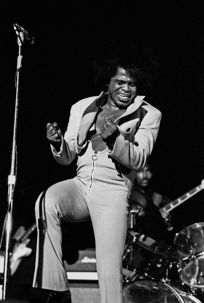 Tales of Rock – James Brown Pulls a Shotgun on Someone for Using His Toilet