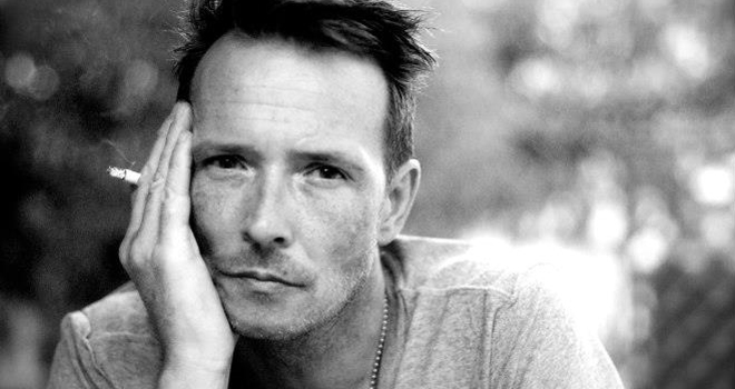 Tales of Rock – Scott Weiland Buys Heroin While Dressed as a Pimp