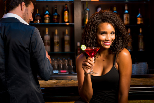 Dating and Relationship Advice – Should I Buy A Girl A Drink?