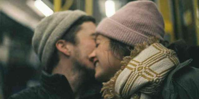 How to Kiss: 20 Secrets Good Kissers Know