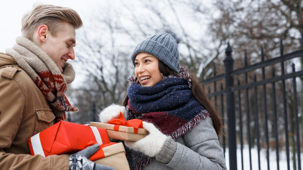 Should You Ask Your Partner To Spend The Holidays With You? Experts Weigh In