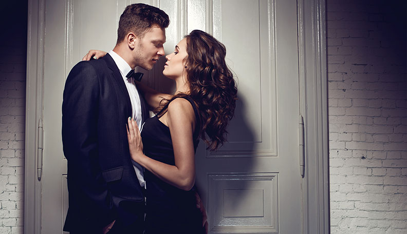 How to Hug a Guy to Turn Him On: 12 Secrets to Make Him Want More