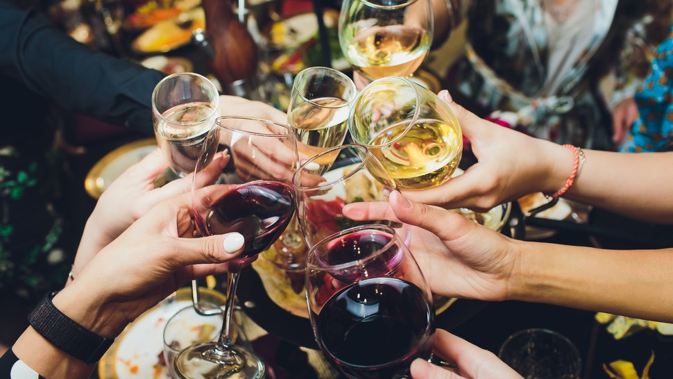 How To Shop For Wine Safely During the Coronavirus Outbreak