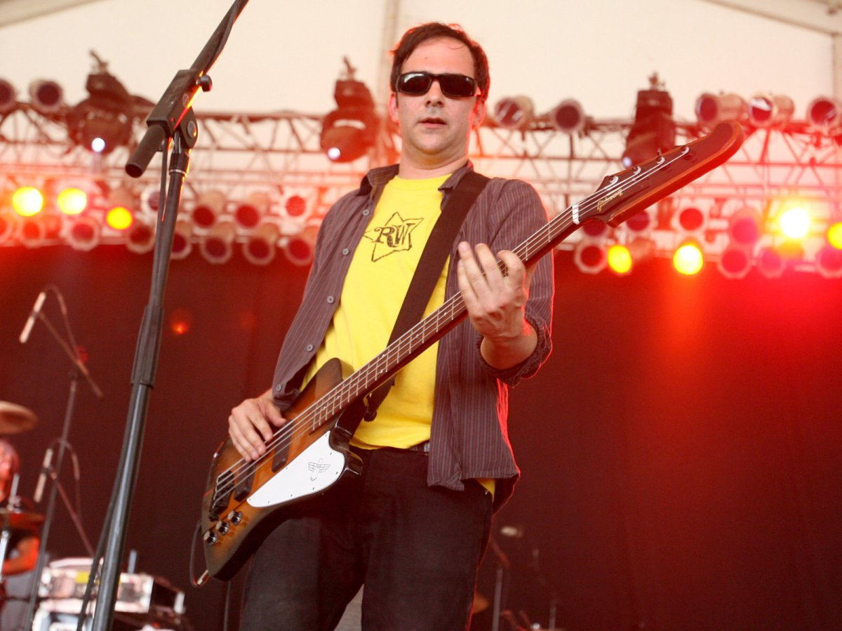 Tales of Rock – Fountains Of Wayne's Adam Schlesinger Dies At 52 After Contracting COVID-19