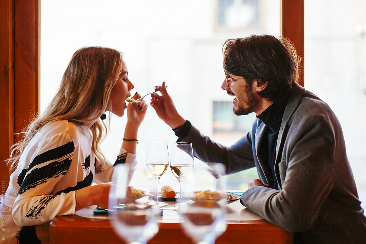 JUST DESSERTS Woman Finds Out Husband Is Having An Affair After Restaurant Critic's Review Features An Image Of Him On ADate